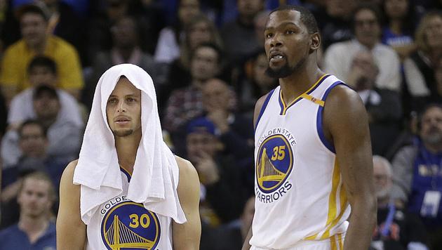 Topteams Cleveland und Warriors mit Niederlagen (Bild: AP)