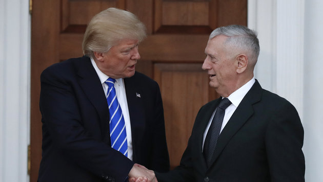 "Donald Trump und sein Verteidigungsminister James ""Mad Dog"" Mattis (Bild: ASSOCIATED PRESS)"