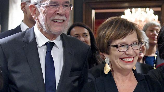 BP-Wahl: Welcher Stil zieht in die Hofburg ein? (Bild: APA/HERBERT NEUBAUER)
