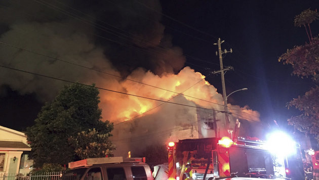 USA: Brand auf illegaler Rave-Party - neun Tote (Bild: Associated Press)