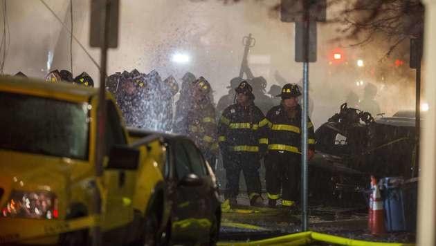 Feuer bei illegaler US-Party: Bereits 36 Tote (Bild: APA/AFP/Getty Images/Scott Eisen)