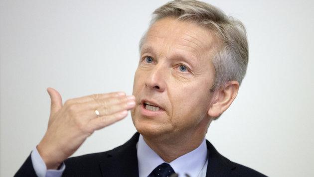 """Für ÖVP-Klubobmann Reinhold Lopatka schießt Van der Bellen """"übers Ziel hinaus"""". (Bild: APA/GEORG HOCHMUTH)"""