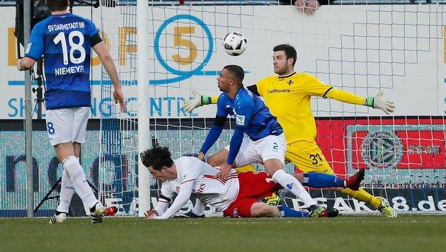 Gregoritsch köpfelt den HSV zum allerersten Sieg! (Bild: APA/AFP/dpa/RONALD WITTEK)