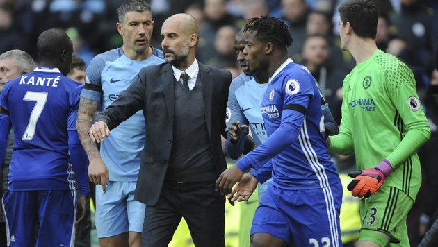 Guardiola entschuldigt sich für hässliche Szenen (Bild: AP)
