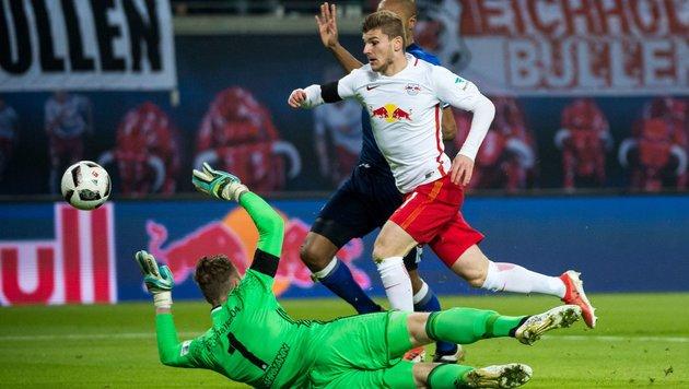 Mega-Schwalbe! Leipzigs Werner entschuldigt sich (Bild: APA/AFP/JENS SCHLUTER)