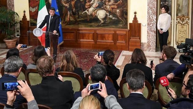 Nach dem Nein der Italiener erklärte Premier Renzi seinen Rücktritt. (Bild: ASSOCIATED PRESS)