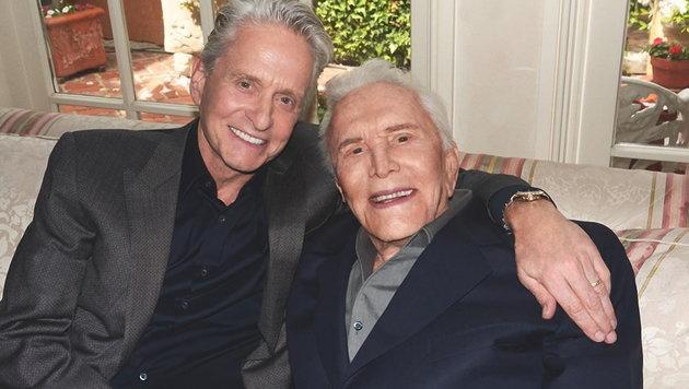Michael Douglas mit Vater Kirk Douglas (Bild: Viennareport)