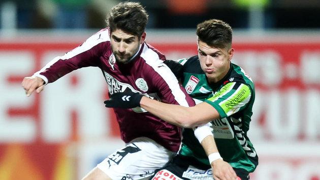 Mathias Honsak spielte 44 Minuten mit einem Jochbein-, Kiefer- und Augenhöhlenbruch. (Bild: EXPA Picture)