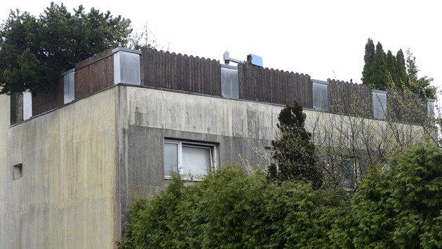 Erster Einblick ins Horror-Haus nach Renovierung (Bild: APA/Helmut Fohringer)
