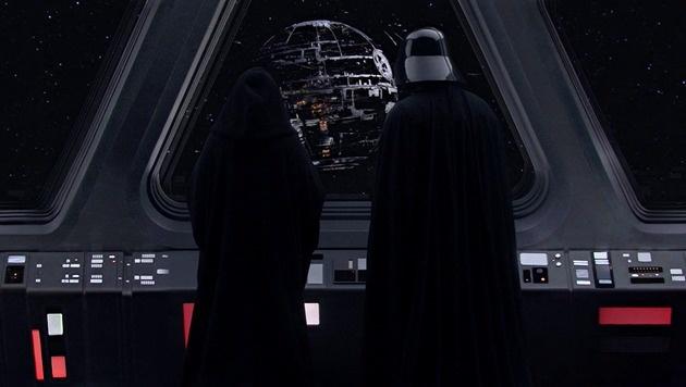 Darth Vader und der Imperator überwachen den Bau des zweiten Todessterns. (Bild: Lucasfilm)