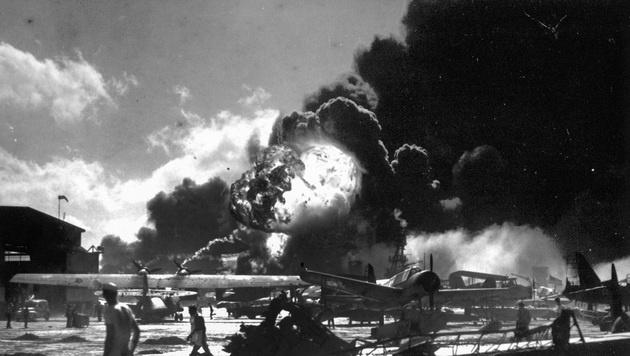 Beim Angriff auf Pearl Harbor kamen mehr als 2400 Menschen ums Leben. (Bild: AP)