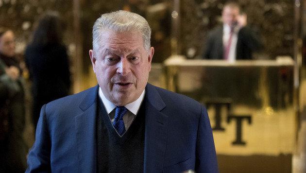 Al Gore spricht nach seinem Treffen mit Trump im Trump Tower mit Journalisten. (Bild: ASSOCIATED PRESS)