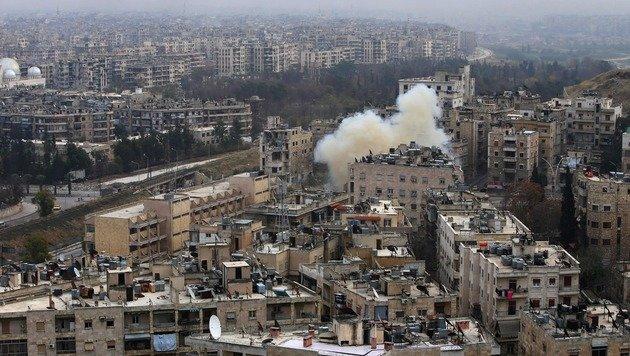 Der grausame Endkampf in den Straßen Aleppos (Bild: APA/AFP/YOUSSEF KARWASHAN)