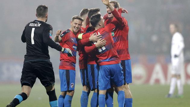 Austria verspielt 2:0 & Aufstieg gegen 10 Pilsner! (Bild: Associated Press)
