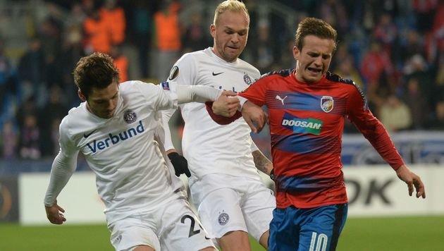 Austria verspielt 2:0 & Aufstieg gegen 10 Pilsner! (Bild: AFP)