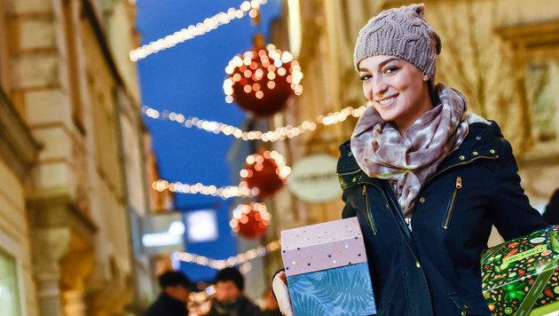 Besjana Kurtisi shoppte in der Welser Innenstadt. (Bild: Markus Wenzel)