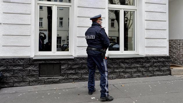 Wien: Albaner sticht in Lokal zwei Polen nieder (Bild: APA/HERBERT NEUBAUER)
