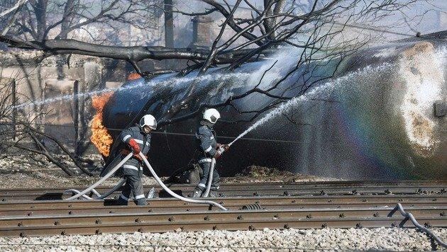 Inferno in Bulgarien: Sieben Tote bei Explosionen (Bild: APA/AFP/STR)
