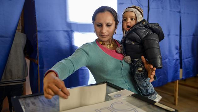 Parlamentswahlen in Rumänien (Bild: AP)