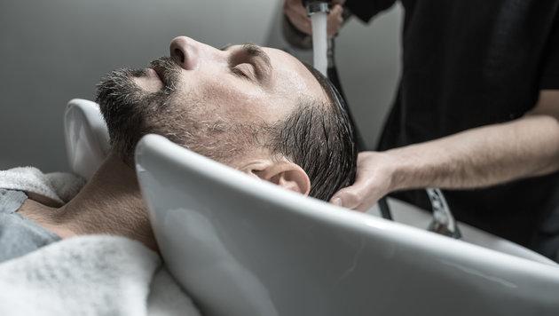 Brite erlitt Schlaganfall nach Besuch bei Friseur (Bild: thinkstockphotos.de (Symbolbild))