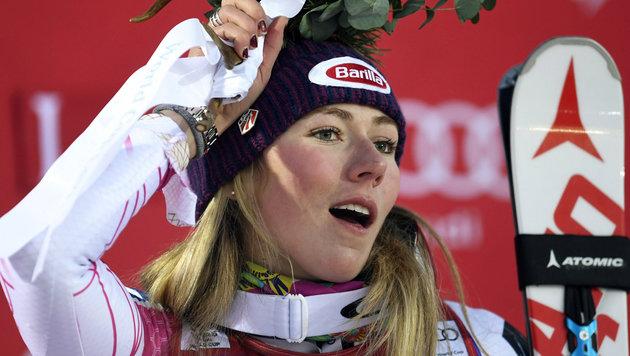 Mikaela Shiffrin zieht trotz Slalomsieg Notbremse (Bild: AP)