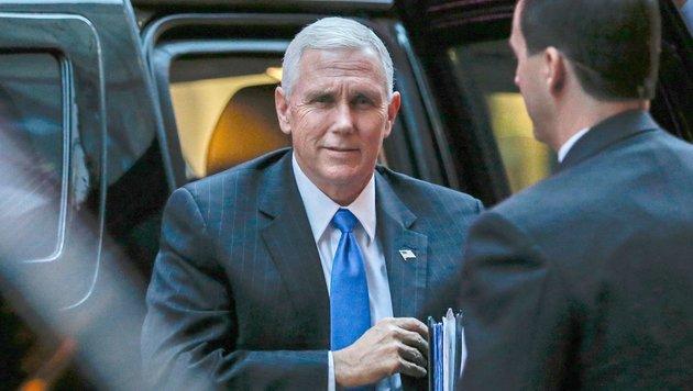 Zum Vergleich: der künftige US-Vizepräsident Mike Pence (Bild: APA/AFP/EDUARDO MUNOZ ALVAREZ)
