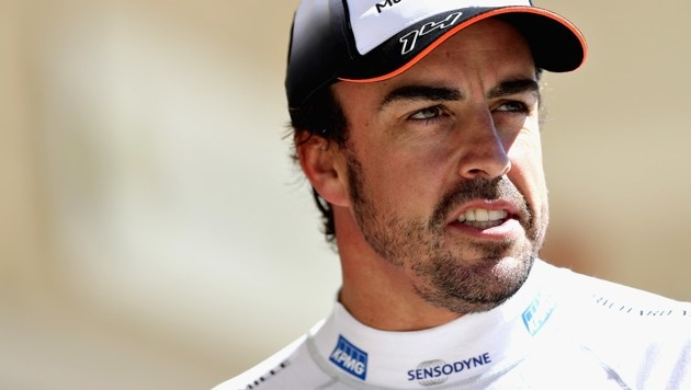 Alonso pfeift auf Mercedes (Bild: APA/AFP/GETTY IMAGES/Mark Thompson)