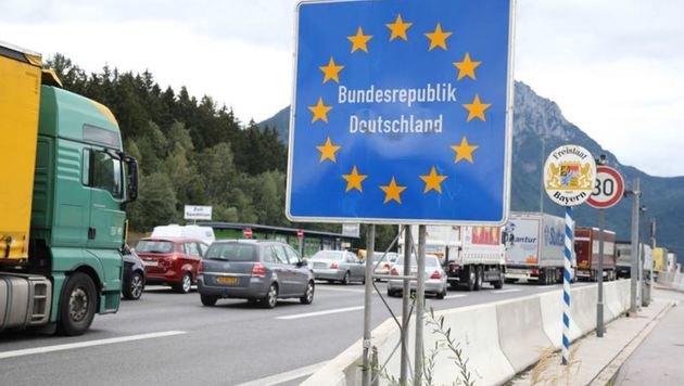 Keine Entspannung - im Gegenteil: Deutschland rüstet an den österreichischen Grenzen wieder auf. (Bild: Franz Neumayr)