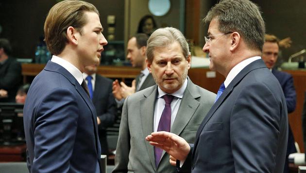 Kurz mit EU-Kommissar Johannes Hahn und dem slowakischen Außenminister Miroslav Lajcak (Bild: APA/AUSSENMINISTERIUM/DRAGAN TATIC)