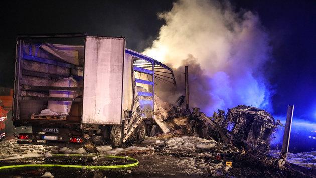 Flammeninferno auf der A1 - Polizisten als Retter (Bild: laumat.at/Matthias Lauber)