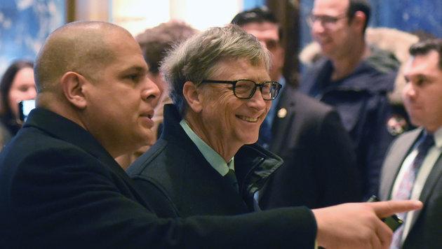 Bill Gates bei der Ankunft im Trump-Tower in New York (Bild: APA/AFP/Timothy A. Clary)