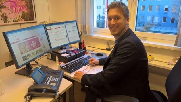 Spezialist für die Fallen im Netz: Konsumentenschützer Christian Obermoser. (Bild: Max Grill)