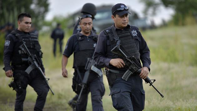 Die mexikanische Polizei im Einsatz (Bild: APA/AFP/PEDRO PARDO (Symbolbild))