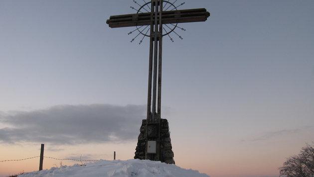 Der erste Schnee am Grestner Hausberg, dem Goganz (Bild: Rudolf Kössl)