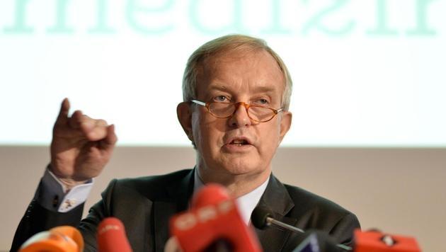 Ärztekammer-Vizepräsident Johannes Steinhart (Bild: APA/HERBERT NEUBAUER)