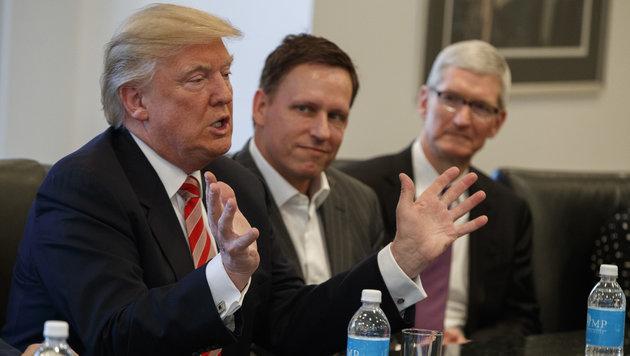 Donald Trump, Peter Thiel, Tim Cook (Bild: AP)