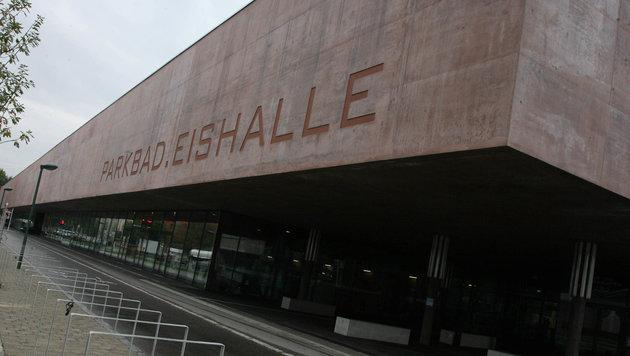 Die Eishalle in Linz soll um- und ausgebaut werden. (Bild: Horst Einöder/flashpictures.at)