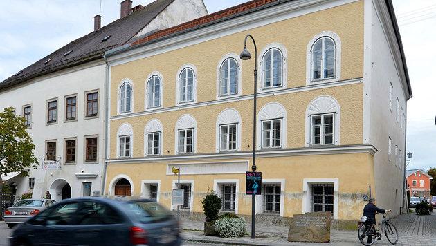 Hitlers Geburtshaus wird nun doch nicht abgerissen (Bild: Associated Press)