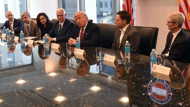 Trump verspricht Tech-Größen offenes Ohr und Hilfe (Bild: AFP)