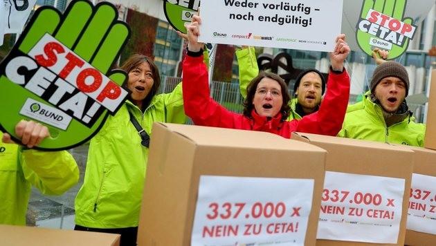 Mehrheit in EU-Ausschuss stimmt für CETA (Bild: EPA)