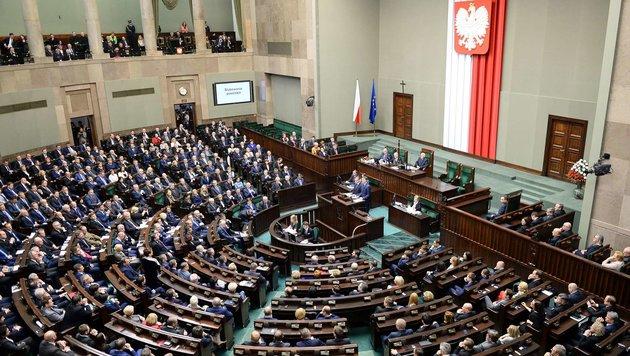 Das polnische Parlament in Warschau (Bild: APA/AFP/JANEK SKARZYNSKI)