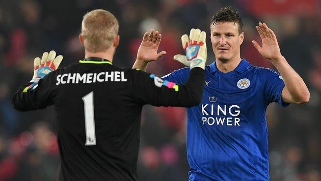 Leicester macht in Unterzahl aus 0:2 ein 2:2 (Bild: APA/AFP/PAUL ELLIS)
