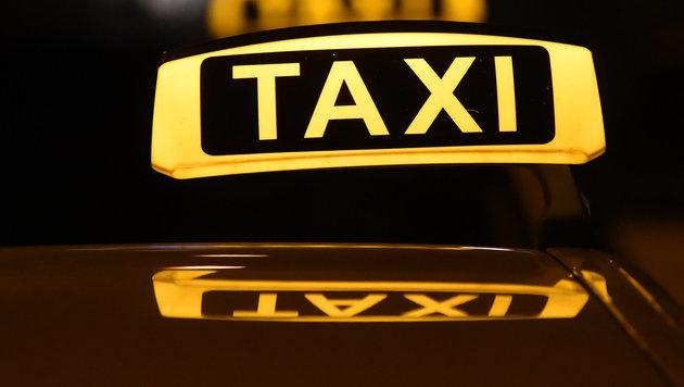 Taxler und Uber weiter auf Konfrontationskurs (Bild: APA/dpa)