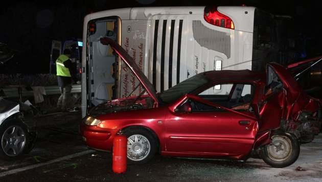 Busunfall in Ungarn: Frau im Spital gestorben (Bild: AFP)