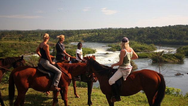 Nilsafari am Pferderücken (Bild: Uganda Tourism Board)