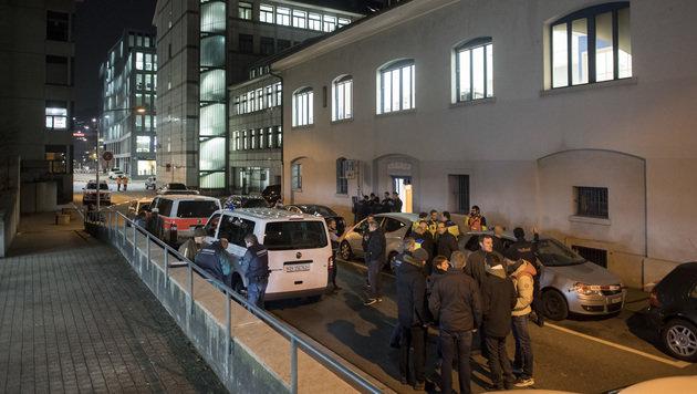 Das Gebiet rund um den Tatort wurde großräumig abgesperrt. (Bild: Associated Press)