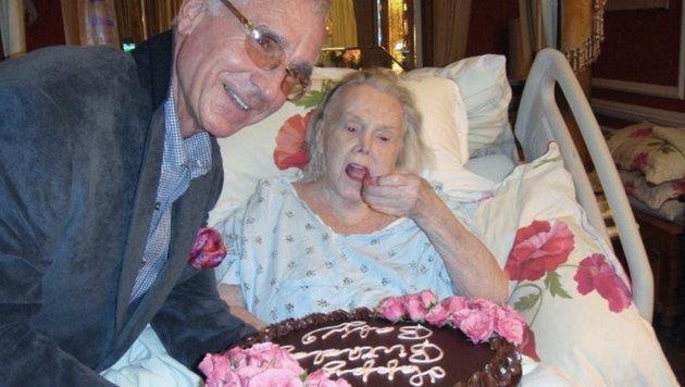 Frederic Prinz von Anhalt feiert mit Zsa Zsa Gabor deren 94. Geburtstag (Bild: AP)