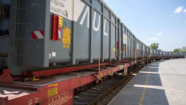 Erster Zug mit Müll unterwegs nach Zwentendorf (Bild: EVN/Rumpler)