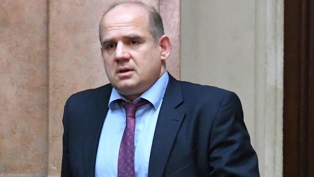 Peter Seisenbacher vor Sex-Prozess untergetaucht (Bild: APA/HELMUT FOHRINGER)