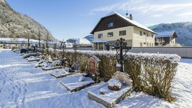 Das Flüchtlingsquartier im Pfarrhof der Gemeinde Fuschl im Salzburger Flachgau (Bild: APA/NEUMAYR/LEO)